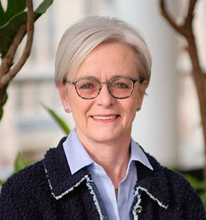 Dr. Heidi Schmidt